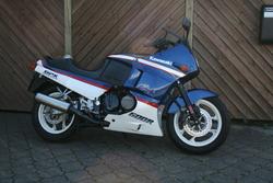 Kawasaki GPX600 R